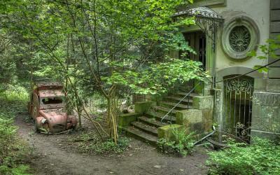 Chateau Lumiere